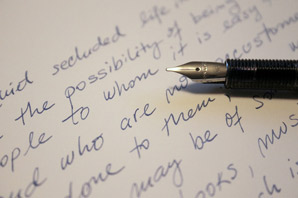 How to become a handwriting specialist