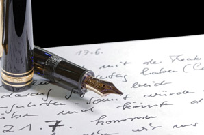 How to become a forensic handwriting expert