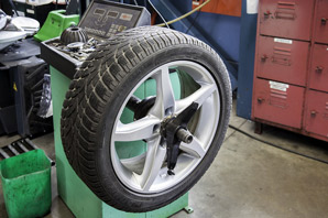 Automotive service manager job description, duties, tasks, and responsibilities