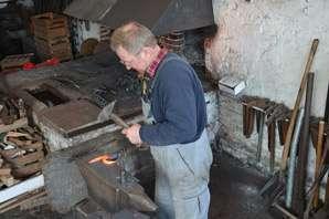 How to become a blacksmith