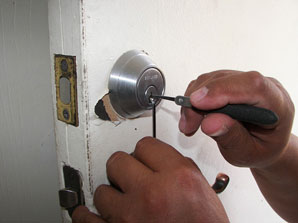 Locksmith Job Description, Key Duties and Responsibilities