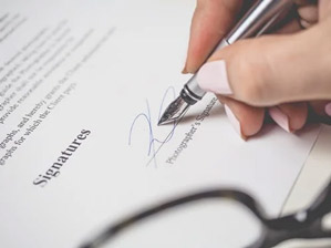 Contracts Manager Job Description, Key Duties and Responsibilities